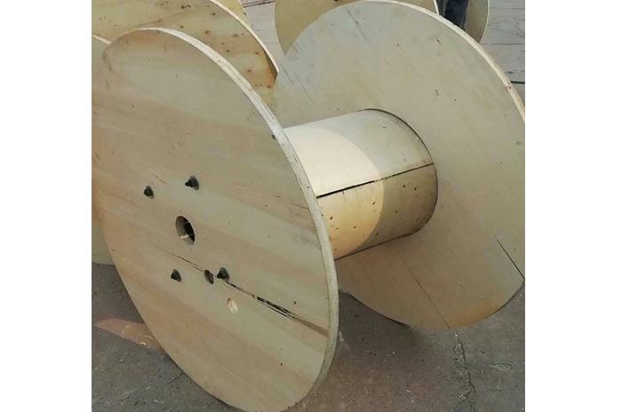 电缆木轴盘